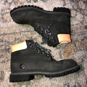 Boys Size 2 Timberland Boots